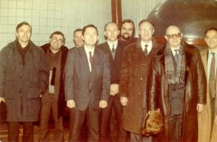 На фото: М. Хельд (3-й справа), Д.А. Рототаев (2-й справа), А.И. Платов (5-й справа), Н.С. Дорохов (4-й слева), В.А. Григорян (2-й слева).