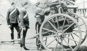 для такого серьезного агрегата, как пулемет Максима .45го калибра, ленточное питание напрашивалось как бы само собой. фото 1895 года.