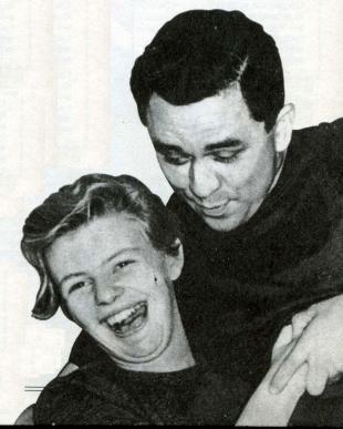 Лонсдейл с одной из своих многочисленных приятельниц