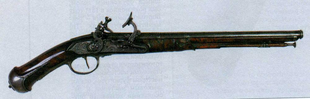 Европейский пистолет полуказенного заряжания