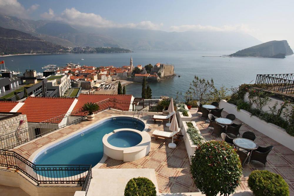 Как правильно выбрать виллу для отдыха в Черногории?